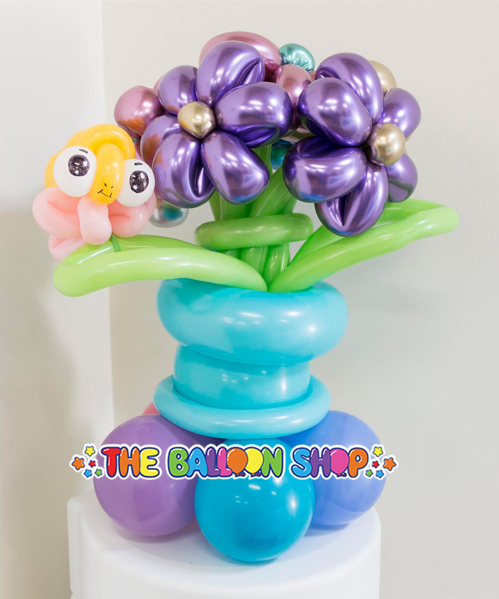 Picture of 5 Flower Balloon Bouquet with Caterpillar - Balloon Centerpiece